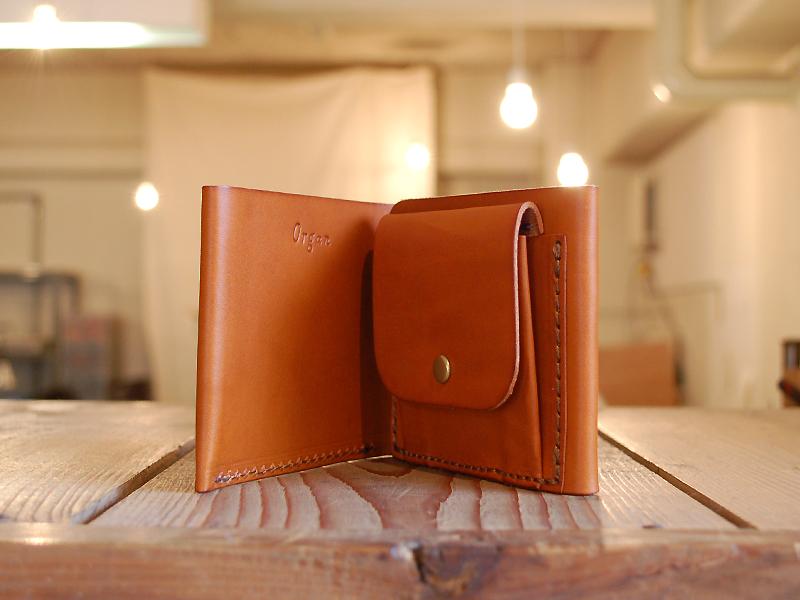THE 二つ折り財布