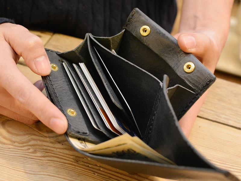 リバースレザー 二つ折り財布