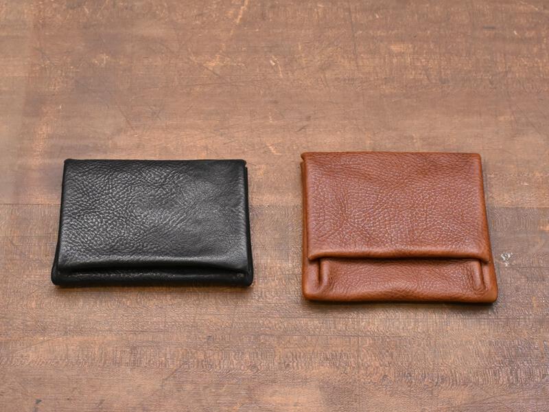 コンパクトな財布と小銭入れ