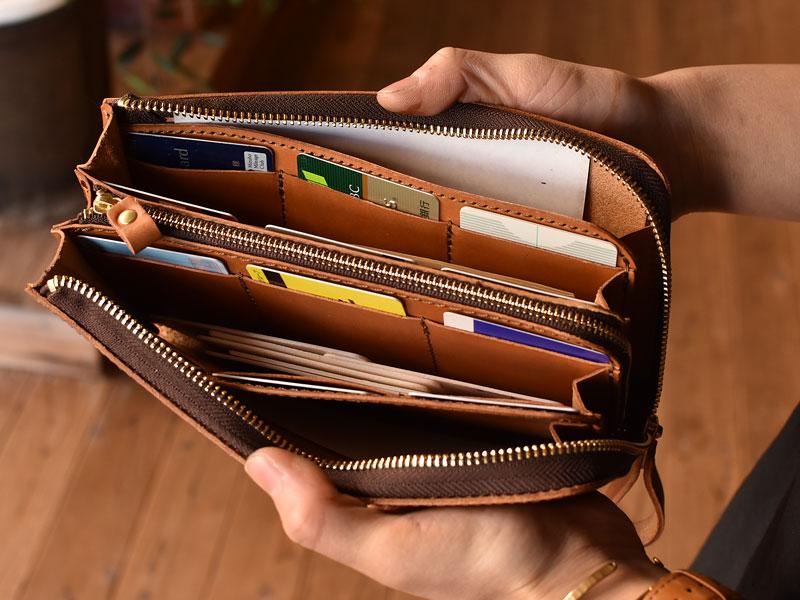 L字ファスナーの長財布 収納