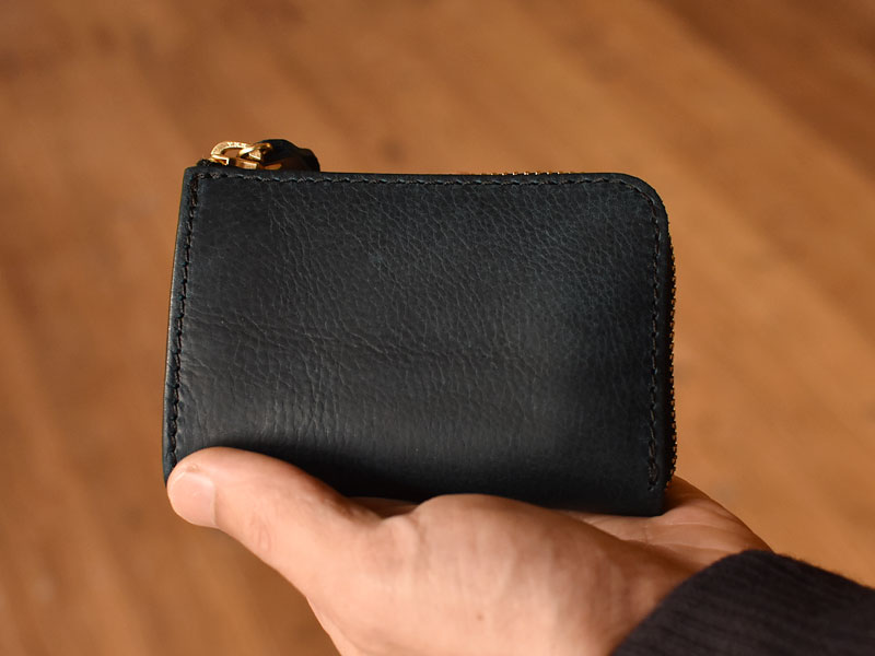 手のひらサイズの財布