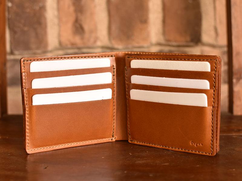 サドルプルアップを使った二つ折り財布 カード入れ