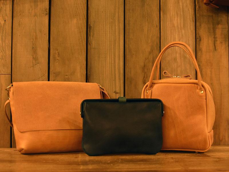 アマッツォーニャの鞄を追加製作