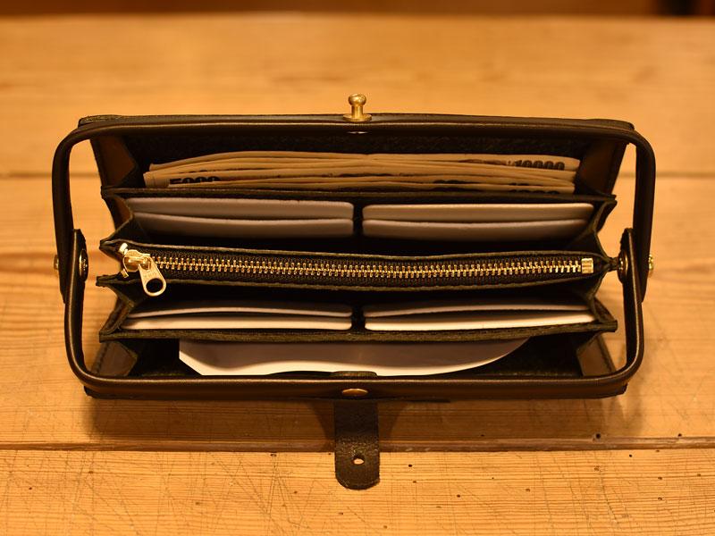 口枠長財布の収納部