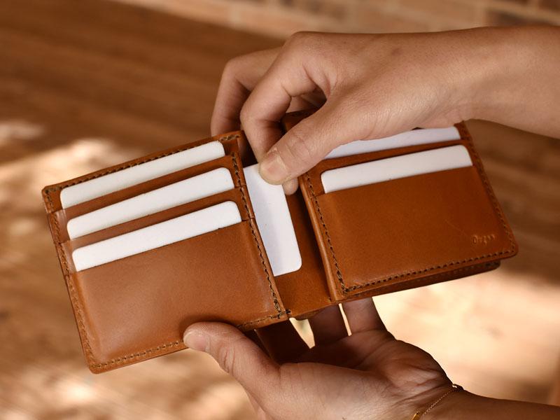 サドルプルアップを使った二つ折り財布 ポケット