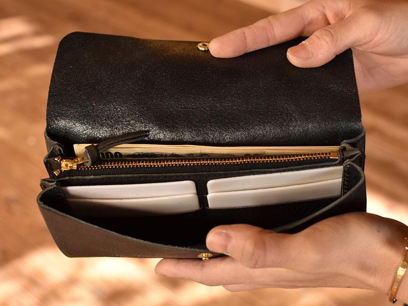 かぶせの長財布 カード入れ