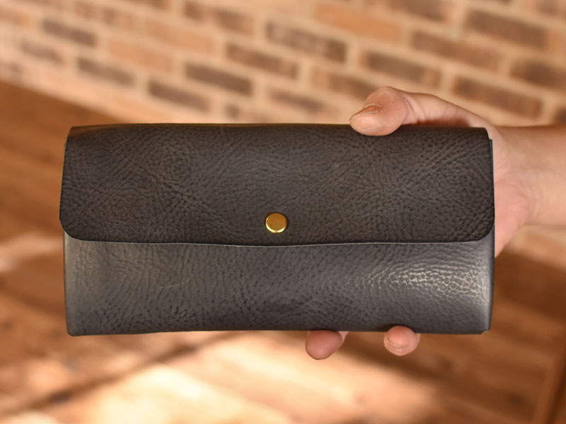 かぶせの長財布