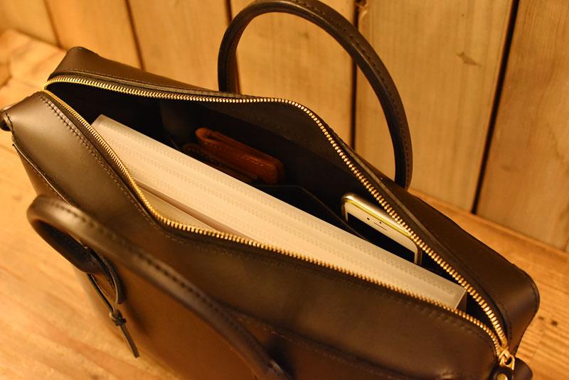書類ケース 内ポケット