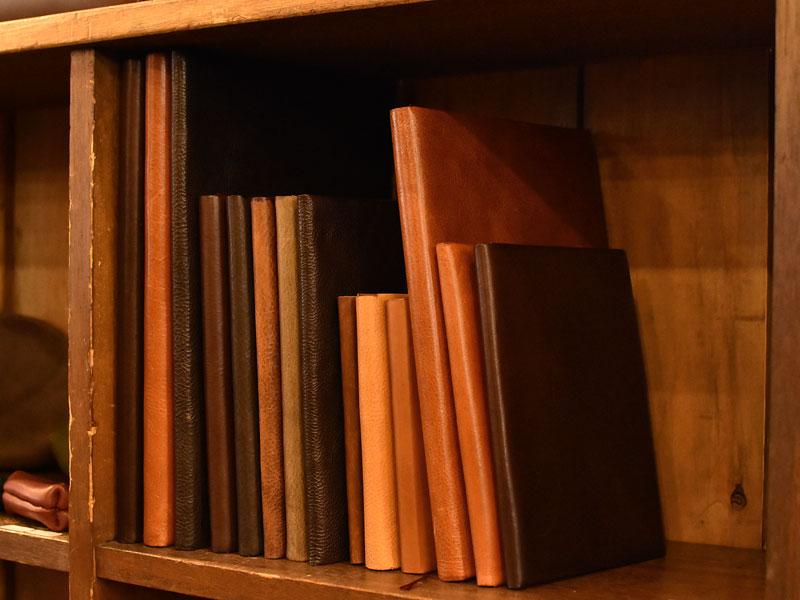 ブックカバーとノートケース