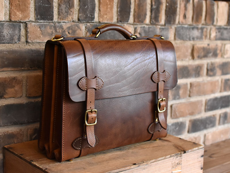 ミッスーリの書類鞄