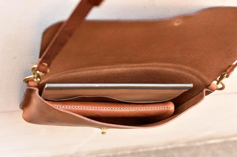 ノートと長財布
