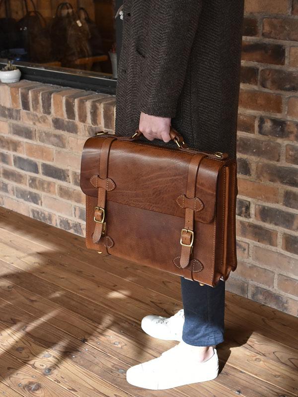 ミッスーリの書類鞄 手持ち