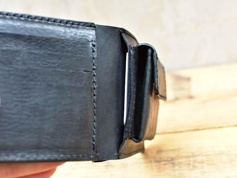 かぶせ財布右カード